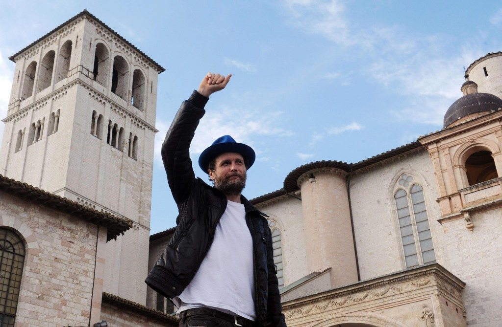 Jovanotti canta francesco
